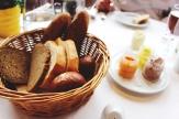 Hotel Ronacher, Fitness, Fitnessbereich, Geräte, Laufband, Spa, Wellness, Kärnten, Österreich, Essen, Mittagessen, Brot, Aufstrich,
